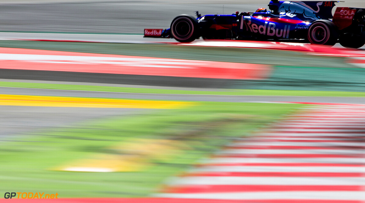 MONTMELO, SPAIN - MAY 14:  Carlos Sainz of Scuderia Toro Rosso and Spain  during the Spanish Formula One Grand Prix at Circuit de Catalunya on May 14, 2017 in Montmelo, Spain.  (Photo by Peter Fox/Getty Images) // Getty Images / Red Bull Content Pool  // P-20170514-00973 // Usage for editorial use only // Please go to www.redbullcontentpool.com for further information. //  Spanish F1 Grand Prix Peter Fox  Spain  P-20170514-00973