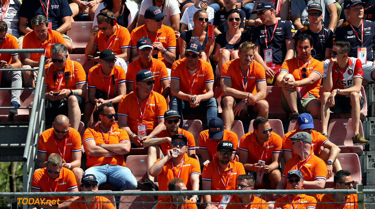 MONTMELO, SPAIN - MAY 14: Max Verstappen of Netherlands and Red Bull Racing fans during the Spanish Formula One Grand Prix at Circuit de Catalunya on May 14, 2017 in Montmelo, Spain.  (Photo by Mark Thompson/Getty Images) // Getty Images / Red Bull Content Pool  // P-20170514-01448 // Usage for editorial use only // Please go to www.redbullcontentpool.com for further information. //  Spanish F1 Grand Prix Mark Thompson  Spain  P-20170514-01448