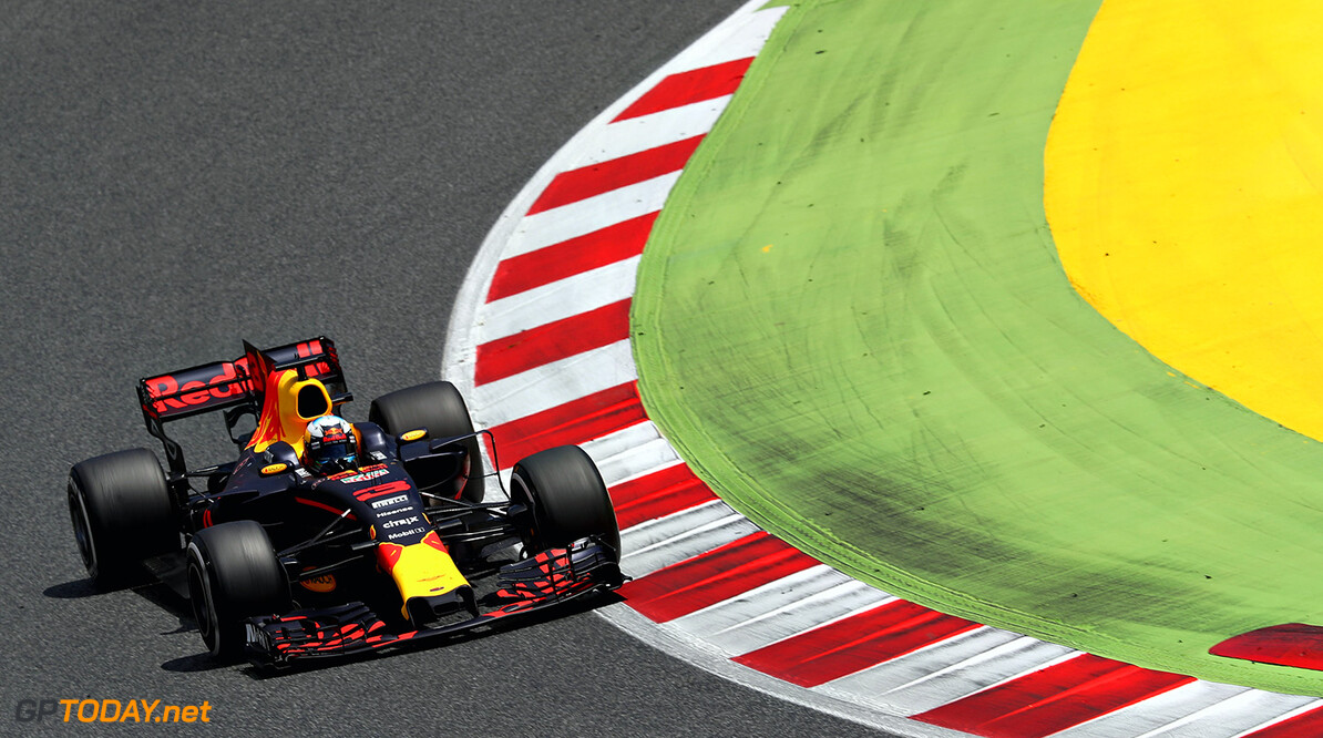 MONTMELO, SPAIN - MAY 14: Daniel Ricciardo of Australia driving the (3) Red Bull Racing Red Bull-TAG Heuer RB13 TAG Heuer on track during the Spanish Formula One Grand Prix at Circuit de Catalunya on May 14, 2017 in Montmelo, Spain.  (Photo by Mark Thompson/Getty Images) // Getty Images / Red Bull Content Pool  // P-20170514-01370 // Usage for editorial use only // Please go to www.redbullcontentpool.com for further information. //  Spanish F1 Grand Prix Mark Thompson  Spain  P-20170514-01370