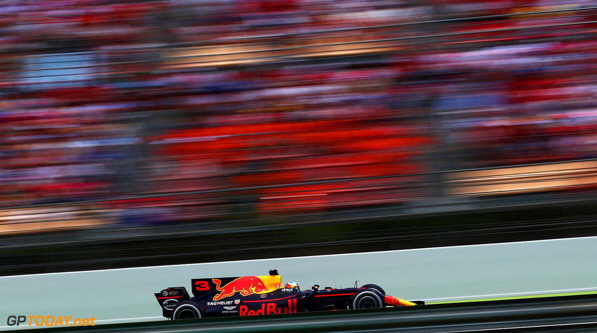 MONTMELO, SPAIN - MAY 14: Daniel Ricciardo of Australia driving the (3) Red Bull Racing Red Bull-TAG Heuer RB13 TAG Heuer on track during the Spanish Formula One Grand Prix at Circuit de Catalunya on May 14, 2017 in Montmelo, Spain.  (Photo by Dan Istitene/Getty Images) // Getty Images / Red Bull Content Pool  // P-20170514-01321 // Usage for editorial use only // Please go to www.redbullcontentpool.com for further information. //  Spanish F1 Grand Prix Dan Istitene  Spain  P-20170514-01321