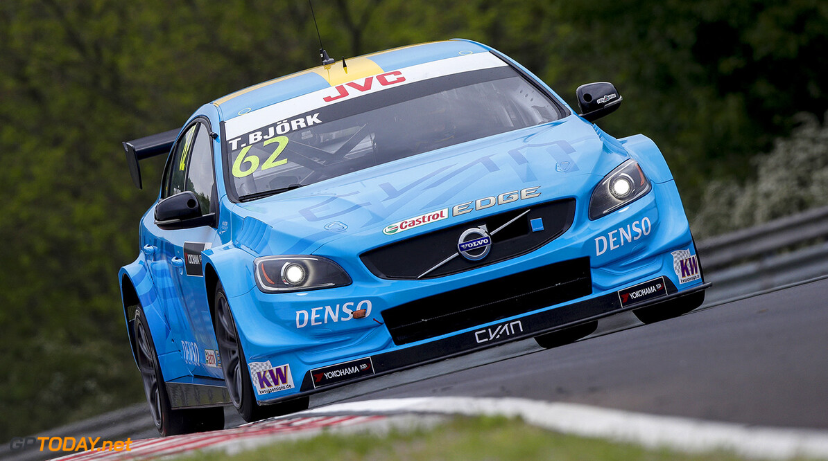 62 BJORK Thed (swe), Volvo S60 Polestar team Polestar Cyan Racing, action   during the 2017 FIA WTCC World Touring Car Race of Hungary at hungaroring, Budapest from may 12 to 14 - Photo Frederic Le Floc'h / DPPI AUTO - WTCC HUNGARY 2017 Frederic Le Floc'h Budapest Hongrie  Auto CHAMPIONNAT DU MONDE CIRCUIT COURSE Europe FIA Motorsport TOURISME WTCC hongrie mai