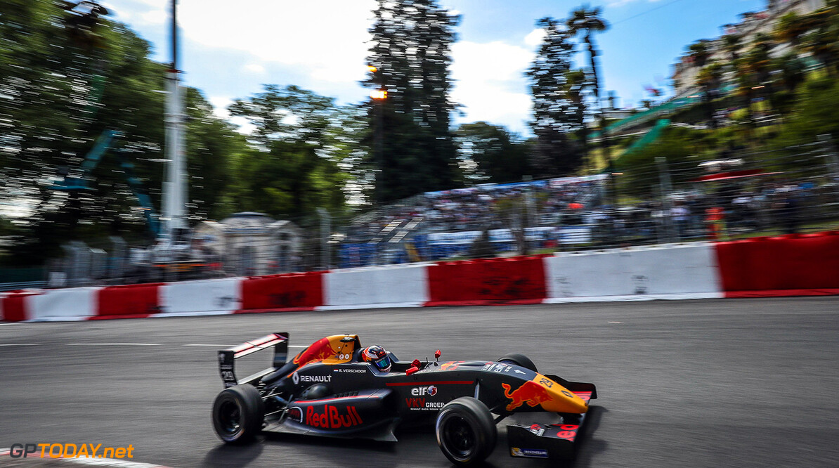 PAU (FRA) MAY 19-21 2017 - Third round of the Formula Renault 2.0 Eurocup at Grand Prix de Pau. Richard Verschoor #29 MP Motorsport. // Dutch Photo Agency/Red Bull Content Pool // P-20170520-00875 // Usage for editorial use only // Please go to www.redbullcontentpool.com for further information. //  Richard Verschoor  Pau France  P-20170520-00875