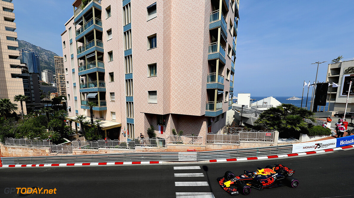 MONTE-CARLO, MONACO - MAY 25: Daniel Ricciardo of Australia driving the (3) Red Bull Racing Red Bull-TAG Heuer RB13 TAG Heuer on track during practice for the Monaco Formula One Grand Prix at Circuit de Monaco on May 25, 2017 in Monte-Carlo, Monaco.  (Photo by Mark Thompson/Getty Images) // Getty Images / Red Bull Content Pool  // P-20170525-00746 // Usage for editorial use only // Please go to www.redbullcontentpool.com for further information. //  F1 Grand Prix of Monaco - Practice Mark Thompson Monte-Carlo (City) Monaco  P-20170525-00746