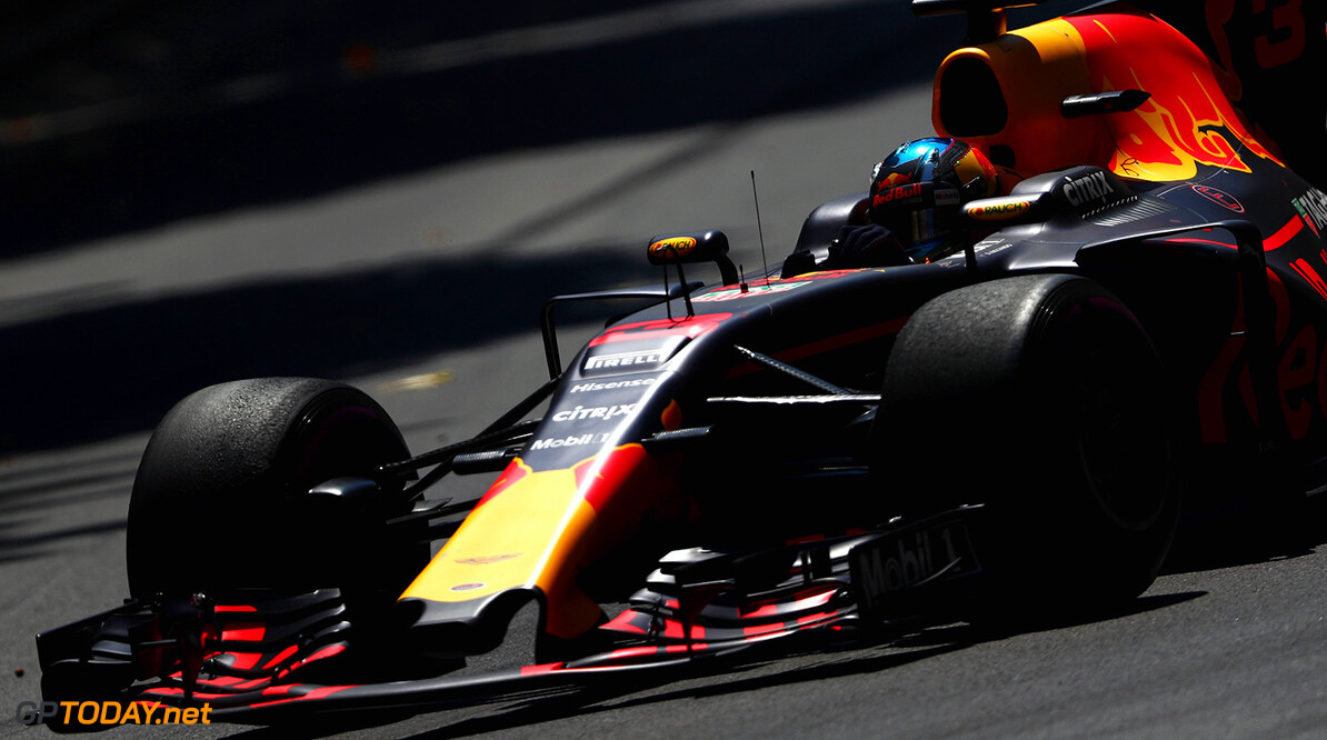 MONTE-CARLO, MONACO - MAY 28: Daniel Ricciardo of Australia driving the (3) Red Bull Racing Red Bull-TAG Heuer RB13 TAG Heuer on track during the Monaco Formula One Grand Prix at Circuit de Monaco on May 28, 2017 in Monte-Carlo, Monaco.  (Photo by Dan Istitene/Getty Images) // Getty Images / Red Bull Content Pool  // P-20170528-01128 // Usage for editorial use only // Please go to www.redbullcontentpool.com for further information. //  F1 Grand Prix of Monaco Dan Istitene Monte-Carlo (City) Monaco  P-20170528-01128