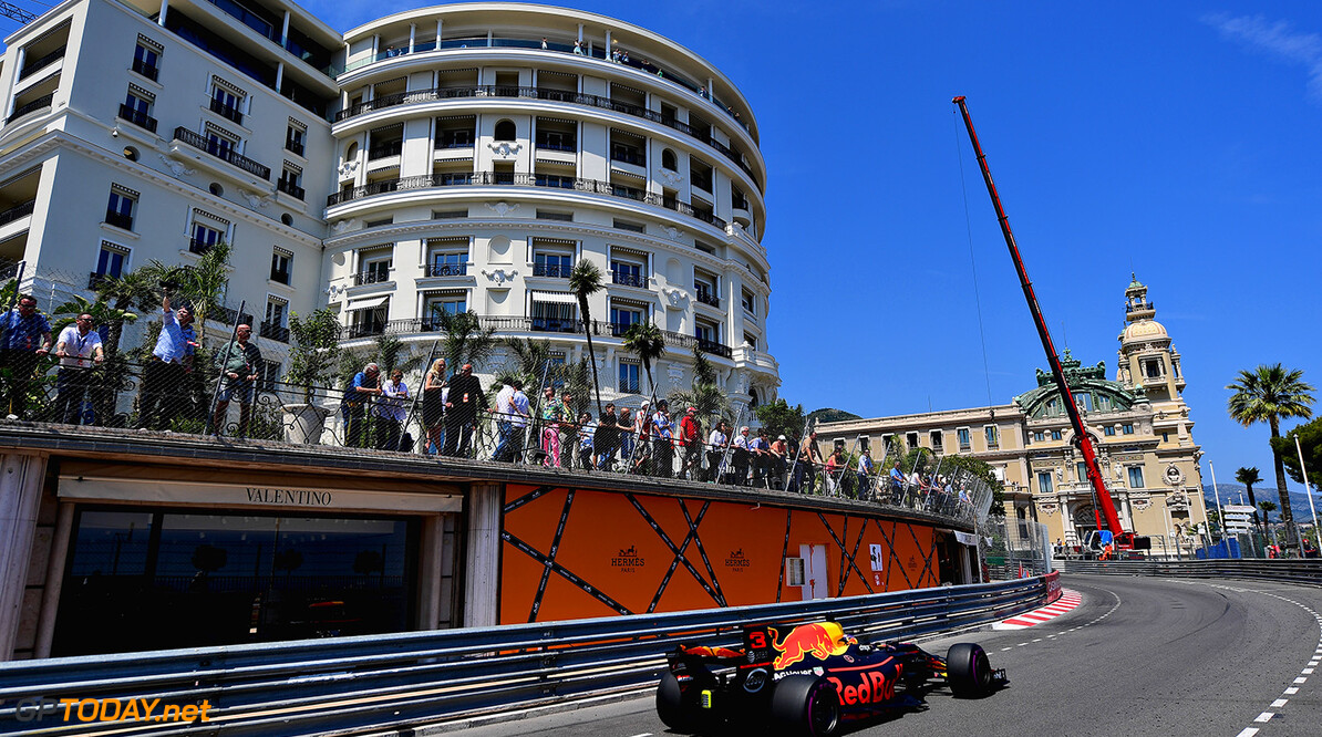 MONTE-CARLO, MONACO - MAY 28: Daniel Ricciardo of Australia driving the (3) Red Bull Racing Red Bull-TAG Heuer RB13 TAG Heuer on track during the Monaco Formula One Grand Prix at Circuit de Monaco on May 28, 2017 in Monte-Carlo, Monaco.  (Photo by Shaun Botterill/Getty Images) // Getty Images / Red Bull Content Pool  // P-20170528-00278 // Usage for editorial use only // Please go to www.redbullcontentpool.com for further information. //  F1 Grand Prix of Monaco Shaun Botterill Monte-Carlo (City) Monaco  P-20170528-00278