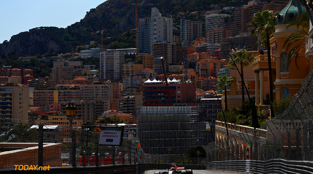 MONTE-CARLO, MONACO - MAY 28:  Daniel Ricciardo of Australia driving the (3) Red Bull Racing Red Bull-TAG Heuer RB13 TAG Heuer on track during the Monaco Formula One Grand Prix at Circuit de Monaco on May 28, 2017 in Monte-Carlo, Monaco.  (Photo by Dan Istitene/Getty Images) // Getty Images / Red Bull Content Pool  // P-20170528-00551 // Usage for editorial use only // Please go to www.redbullcontentpool.com for further information. //  F1 Grand Prix of Monaco Dan Istitene Monte-Carlo (City) Monaco  P-20170528-00551