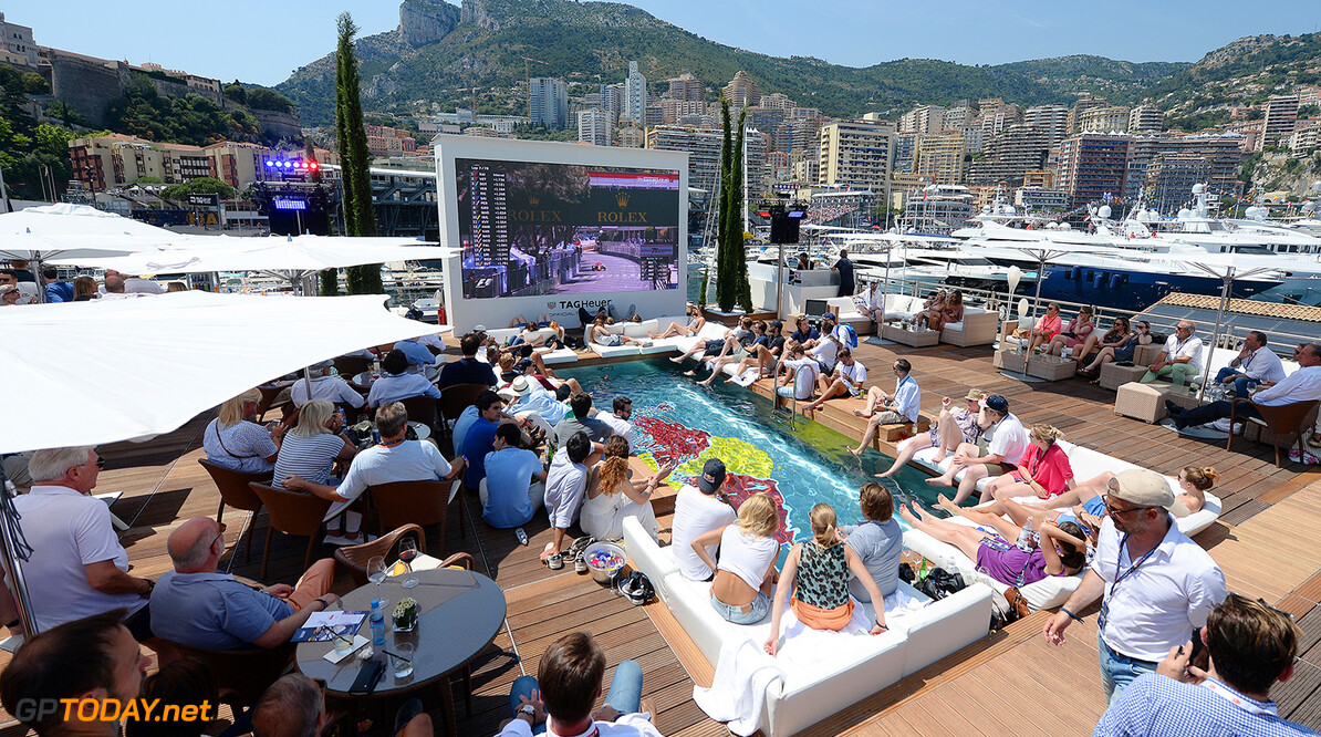 MONTE-CARLO, MONACO - MAY 28:  Fans watch the action on the Red Bull Racing Energy Station during the Monaco Formula One Grand Prix at Circuit de Monaco on May 28, 2017 in Monte-Carlo, Monaco.  (Photo by Eamonn McCormack/Getty Images) // Getty Images / Red Bull Content Pool  // P-20170528-01011 // Usage for editorial use only // Please go to www.redbullcontentpool.com for further information. //  F1 Grand Prix of Monaco Eamonn M. McCormack Monte-Carlo (City) Monaco  P-20170528-01011