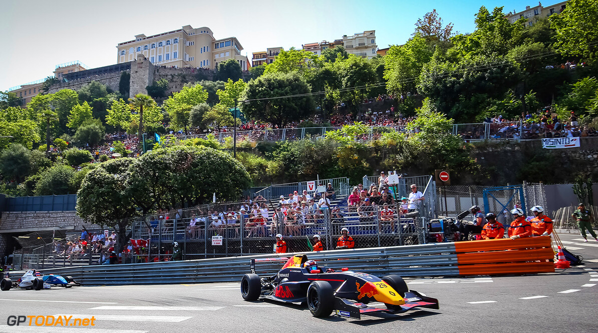 MONACO, 25-28 May 2017: Grand Prix de Monaco 2017. Richard Verschoor #29 MP Motorsport. (C) 2017 Sebastiaan Rozendaal / Dutch Photo Agency // Dutch Photo Agency/Red Bull Content Pool // P-20170528-00586 // Usage for editorial use only // Please go to www.redbullcontentpool.com for further information. //  Richard Verschoor Sebastiaan Rozendaal Monte-Carlo (City) Monaco  P-20170528-00586