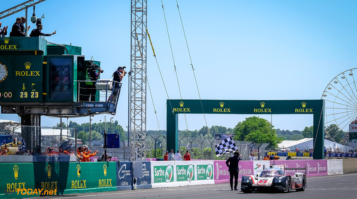 #2 PORSCHE TEAM / DEU / Porsche 919 Hybrid - Hybrid -Le Mans 24 Hour - Circuit des 24H du Mans - Le Mans - France #2 PORSCHE TEAM / DEU / Porsche 919 Hybrid - Hybrid -Le Mans 24 Hour - Circuit des 24H du Mans - Le Mans - France DIRK BOGAERTS    Adrenal Media Le Mans 24 Hour - Circuit des 24H du Mans - Le Mans - France