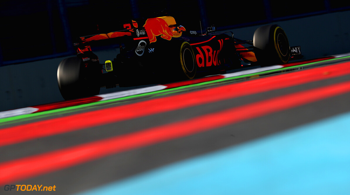 BAKU, AZERBAIJAN - JUNE 23: Daniel Ricciardo of Australia driving the (3) Red Bull Racing Red Bull-TAG Heuer RB13 TAG Heuer on track during practice for the Azerbaijan Formula One Grand Prix at Baku City Circuit on June 23, 2017 in Baku, Azerbaijan.  (Photo by Clive Rose/Getty Images) // Getty Images / Red Bull Content Pool  // P-20170623-01640 // Usage for editorial use only // Please go to www.redbullcontentpool.com for further information. //  Azerbaijan  F1 Grand Prix - Practice Clive Rose Baku Azerbaijan  P-20170623-01640