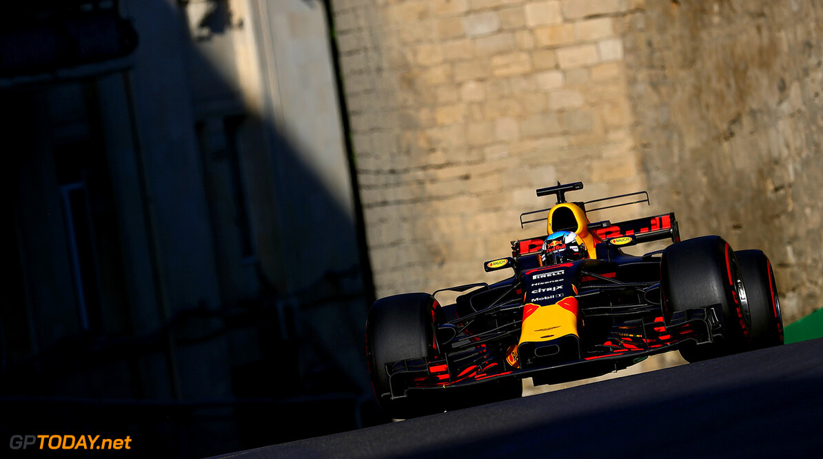 BAKU, AZERBAIJAN - JUNE 25: Daniel Ricciardo of Australia driving the (3) Red Bull Racing Red Bull-TAG Heuer RB13 TAG Heuer on track during the Azerbaijan Formula One Grand Prix at Baku City Circuit on June 25, 2017 in Baku, Azerbaijan.  (Photo by Clive Rose/Getty Images) // Getty Images / Red Bull Content Pool  // P-20170625-01162 // Usage for editorial use only // Please go to www.redbullcontentpool.com for further information. //  Azerbaijan F1 Grand Prix Clive Rose Baku Azerbaijan  P-20170625-01162