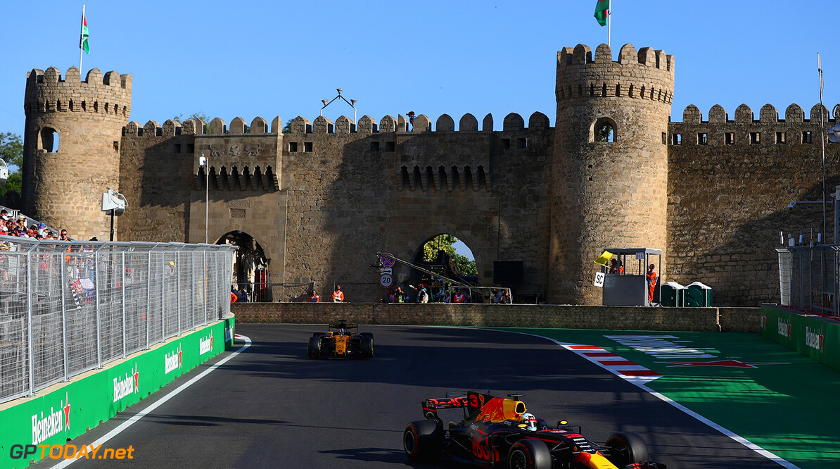 BAKU, AZERBAIJAN - JUNE 25: Daniel Ricciardo of Australia driving the (3) Red Bull Racing Red Bull-TAG Heuer RB13 TAG Heuer on track during the Azerbaijan Formula One Grand Prix at Baku City Circuit on June 25, 2017 in Baku, Azerbaijan.  (Photo by Clive Rose/Getty Images) // Getty Images / Red Bull Content Pool  // P-20170625-01030 // Usage for editorial use only // Please go to www.redbullcontentpool.com for further information. //  Azerbaijan F1 Grand Prix Clive Rose Baku Azerbaijan  P-20170625-01030