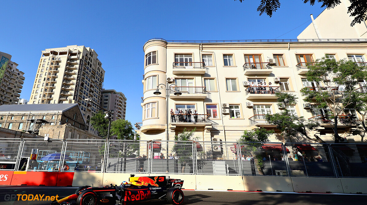BAKU, AZERBAIJAN - JUNE 25:  Daniel Ricciardo of Australia driving the (3) Red Bull Racing Red Bull-TAG Heuer RB13 TAG Heuer on track during the Azerbaijan Formula One Grand Prix at Baku City Circuit on June 25, 2017 in Baku, Azerbaijan.  (Photo by Mark Thompson/Getty Images) // Getty Images / Red Bull Content Pool  // P-20170625-01192 // Usage for editorial use only // Please go to www.redbullcontentpool.com for further information. //  Azerbaijan F1 Grand Prix Mark Thompson Baku Azerbaijan  P-20170625-01192