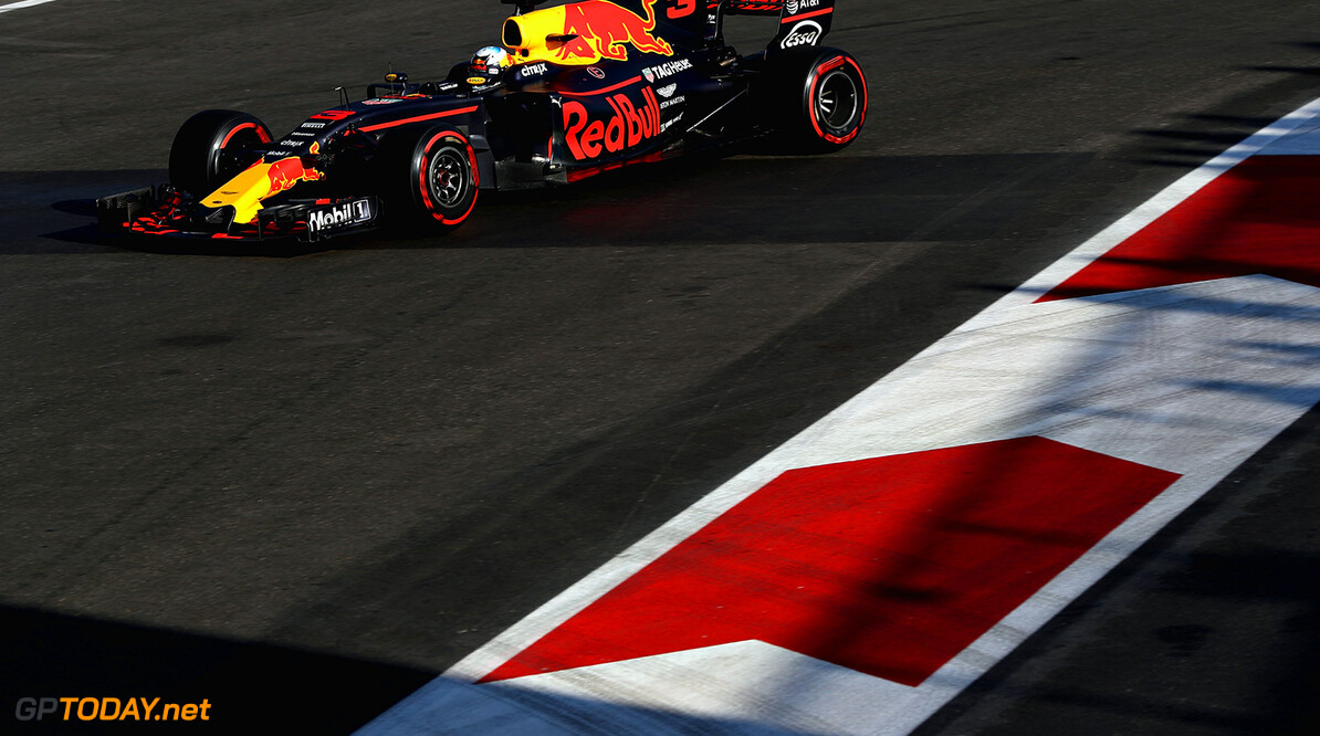 BAKU, AZERBAIJAN - JUNE 25: Daniel Ricciardo of Australia driving the (3) Red Bull Racing Red Bull-TAG Heuer RB13 TAG Heuer on track during the Azerbaijan Formula One Grand Prix at Baku City Circuit on June 25, 2017 in Baku, Azerbaijan.  (Photo by Mark Thompson/Getty Images) // Getty Images / Red Bull Content Pool  // P-20170625-01290 // Usage for editorial use only // Please go to www.redbullcontentpool.com for further information. //  Azerbaijan F1 Grand Prix Mark Thompson Baku Azerbaijan  P-20170625-01290