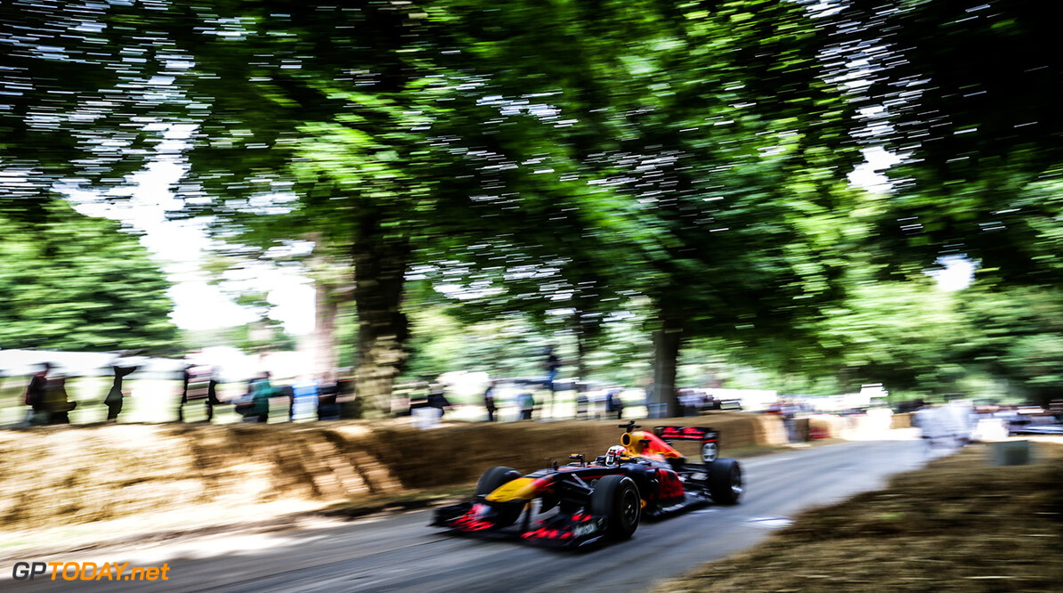 CHICHESTER, ENGLAND - JULY 01:  Pierre Gasly of France and Red Bull Racing performs a run up the hill during the Goodwood Festival of Speed at Goodwood on July 1, 2017 in Chichester, England.  (Photo by James Bearne/Getty Images) // Getty Images / Red Bull Content Pool  // P-20170701-01294 // Usage for editorial use only // Please go to www.redbullcontentpool.com for further information. //  Goodwood Festival of Speed  Goodwood House United Kingdom  P-20170701-01294