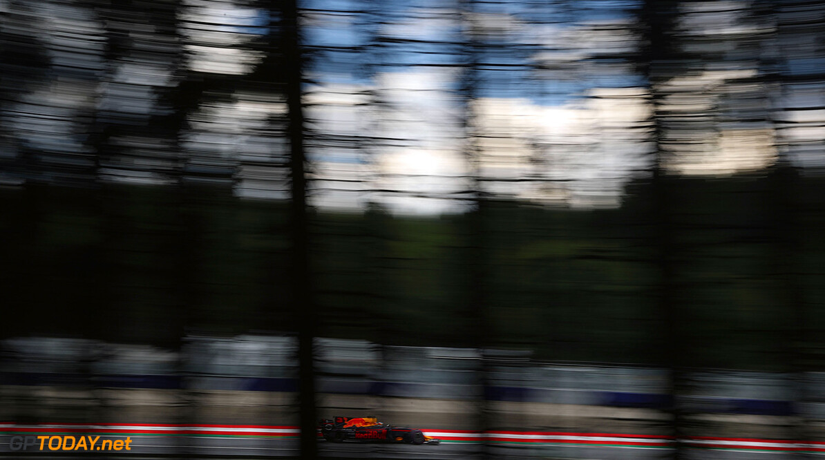 SPIELBERG, AUSTRIA - JULY 07: Daniel Ricciardo of Australia driving the (3) Red Bull Racing Red Bull-TAG Heuer RB13 TAG Heuer on track during practice for the Formula One Grand Prix of Austria at Red Bull Ring on July 7, 2017 in Spielberg, Austria.  (Photo by Lars Baron/Getty Images) // Getty Images / Red Bull Content Pool  // P-20170707-02861 // Usage for editorial use only // Please go to www.redbullcontentpool.com for further information. //  F1 Grand Prix of Austria - Practice Lars Baron Red Bull Ring Austria  P-20170707-02861