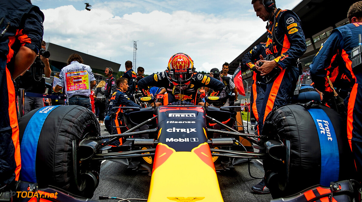 SPIELBERG, AUSTRIA - JULY 09:  Max Verstappen of Netherlands and Red Bull Racing prepares to race on the grid before the Formula One Grand Prix of Austria at Red Bull Ring on July 9, 2017 in Spielberg, Austria.  (Photo by Mark Thompson/Getty Images) // Getty Images / Red Bull Content Pool  // P-20170709-02443 // Usage for editorial use only // Please go to www.redbullcontentpool.com for further information. //  F1 Grand Prix of Austria Mark Thompson Red Bull Ring Austria  P-20170709-02443