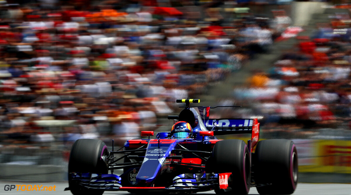 SPIELBERG, AUSTRIA - JULY 09: Carlos Sainz of Spain driving the (55) Scuderia Toro Rosso STR12 on track during the Formula One Grand Prix of Austria at Red Bull Ring on July 9, 2017 in Spielberg, Austria.  (Photo by Mark Thompson/Getty Images) // Getty Images / Red Bull Content Pool  // P-20170709-04106 // Usage for editorial use only // Please go to www.redbullcontentpool.com for further information. //  F1 Grand Prix of Austria Mark Thompson Red Bull Ring Austria  P-20170709-04106