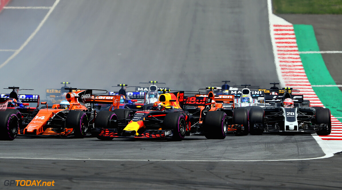 SPIELBERG, AUSTRIA - JULY 09: Max Verstappen of the Netherlands driving the (33) Red Bull Racing Red Bull-TAG Heuer RB13 TAG Heuer at the start during the Formula One Grand Prix of Austria at Red Bull Ring on July 9, 2017 in Spielberg, Austria.  (Photo by Mark Thompson/Getty Images) // Getty Images / Red Bull Content Pool  // P-20170709-01816 // Usage for editorial use only // Please go to www.redbullcontentpool.com for further information. //  F1 Grand Prix of Austria Mark Thompson Red Bull Ring Austria  P-20170709-01816