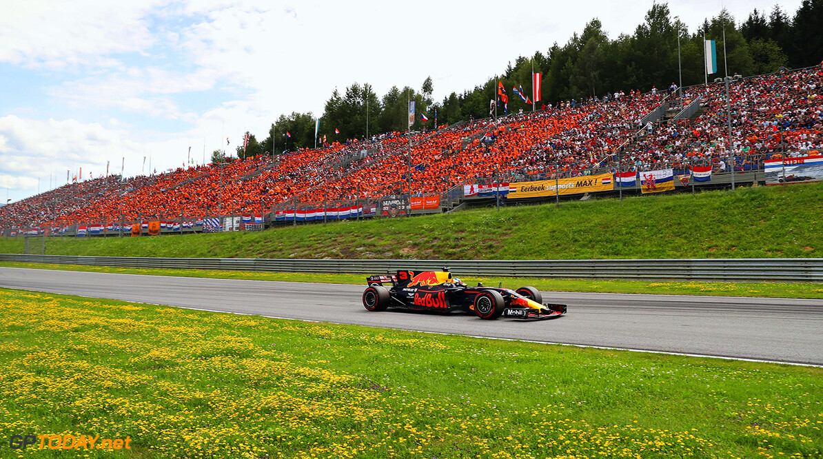 SPIELBERG, AUSTRIA - JULY 09: Daniel Ricciardo of Australia driving the (3) Red Bull Racing Red Bull-TAG Heuer RB13 TAG Heuer on track during the Formula One Grand Prix of Austria at Red Bull Ring on July 9, 2017 in Spielberg, Austria.  (Photo by Mark Thompson/Getty Images) // Getty Images / Red Bull Content Pool  // P-20170709-03939 // Usage for editorial use only // Please go to www.redbullcontentpool.com for further information. //  F1 Grand Prix of Austria Mark Thompson Red Bull Ring Austria  P-20170709-03939