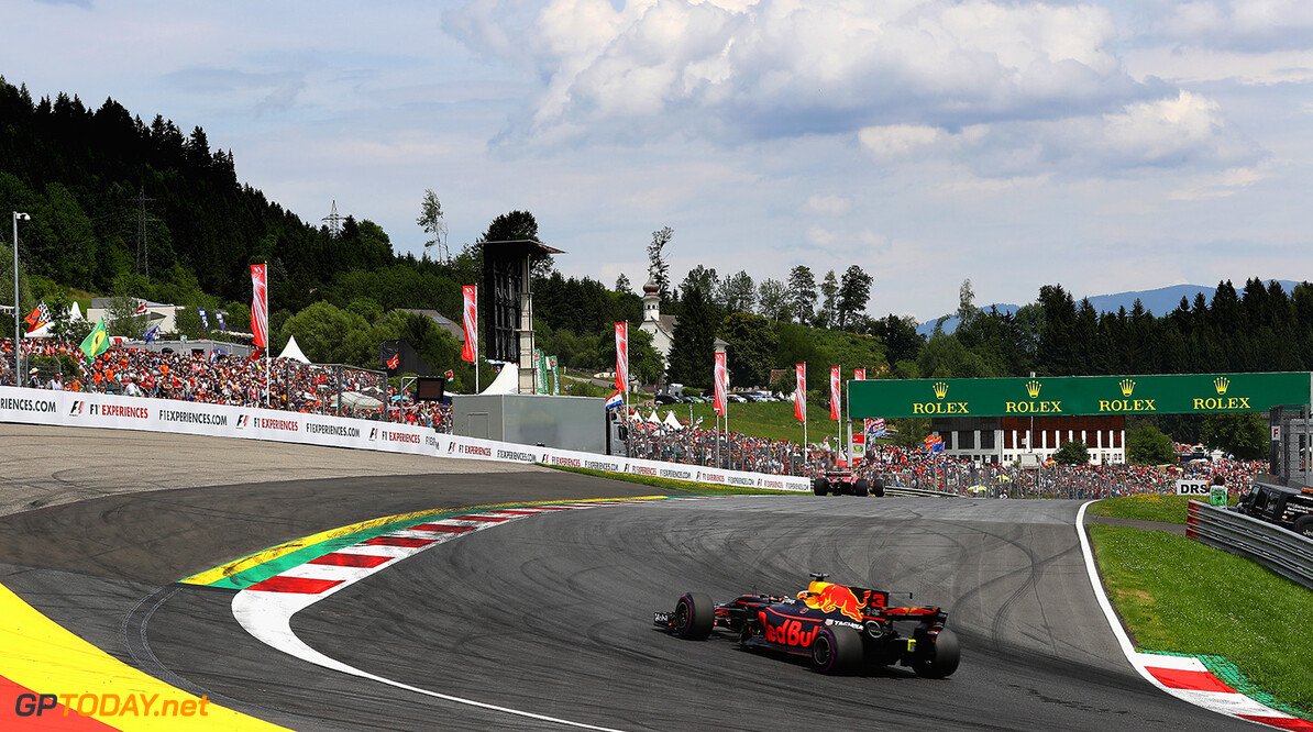 SPIELBERG, AUSTRIA - JULY 09:  Daniel Ricciardo of Australia driving the (3) Red Bull Racing Red Bull-TAG Heuer RB13 TAG Heuer on track during the Formula One Grand Prix of Austria at Red Bull Ring on July 9, 2017 in Spielberg, Austria.  (Photo by Clive Mason/Getty Images) // Getty Images / Red Bull Content Pool  // P-20170709-04028 // Usage for editorial use only // Please go to www.redbullcontentpool.com for further information. //  F1 Grand Prix of Austria Clive Mason Red Bull Ring Austria  P-20170709-04028