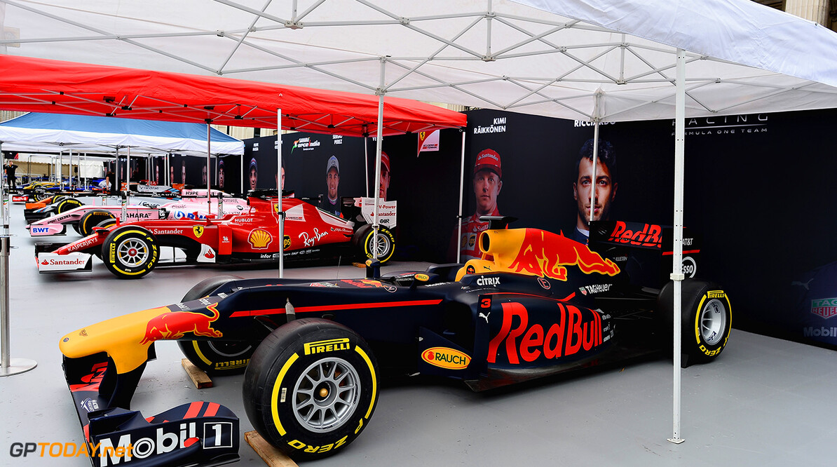 LONDON, ENGLAND - JULY 12:  A view of the Red Bull Racing car during F1 Live London at Trafalgar Square on July 12, 2017 in London, England.  F1 Live London, the first time in Formula 1 history that all 10 teams come together outside of a race weekend to put on a show for the public in the heart of London.  (Photo by Patrik Lundin/Getty Images for Formula 1) // Getty Images / Red Bull Content Pool  // P-20170712-01107 // Usage for editorial use only // Please go to www.redbullcontentpool.com for further information. //  F1 Live In London Takes Over Trafalgar Square - Car Parade Patrik Lundin London United Kingdom  P-20170712-01107
