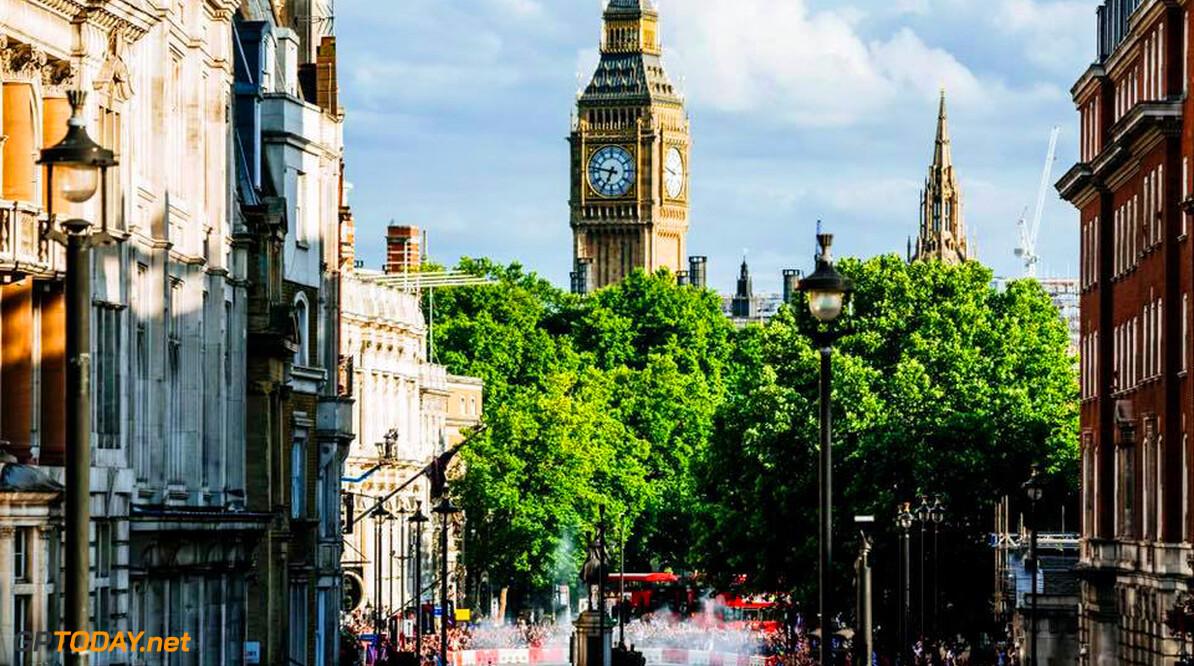 Formule 1 doet aan klantenbinding met show in Londen