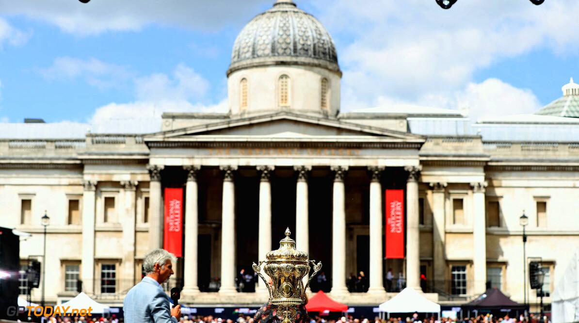 Hamilton onder vuur na missen evenement in Londen