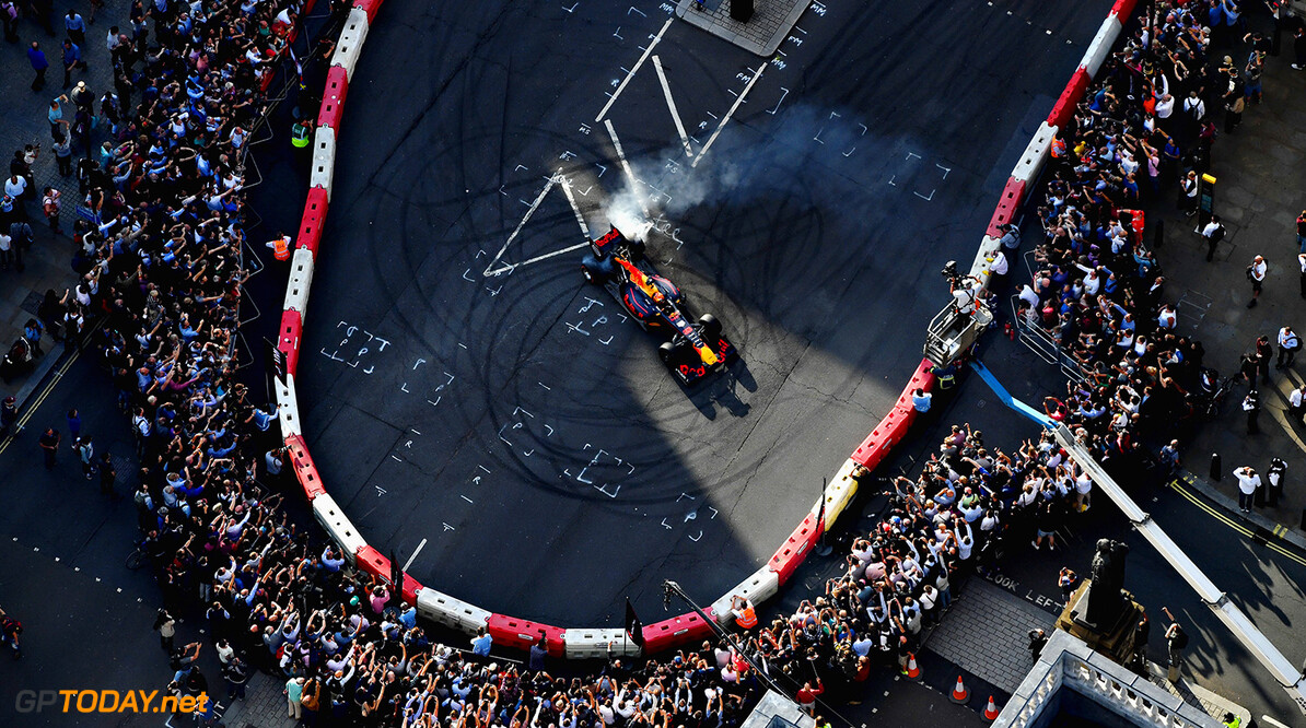 LONDON, ENGLAND - JULY 12: Max Verstappen of Netherlands and Red Bull Racing driving the Red Bull Racing RB7 during F1 Live London at Trafalgar Square on July 12, 2017 in London, England.  F1 Live London, the first time in Formula 1 history that all 10 teams come together outside of a race weekend to put on a show for the public in the heart of London.  (Photo by Dan Mullan/Getty Images for Formula 1) // Getty Images / Red Bull Content Pool  // P-20170713-00181 // Usage for editorial use only // Please go to www.redbullcontentpool.com for further information. //  F1 Live In London Takes Over Trafalgar Square - Car Parade Dan Mullan London United Kingdom  P-20170713-00181