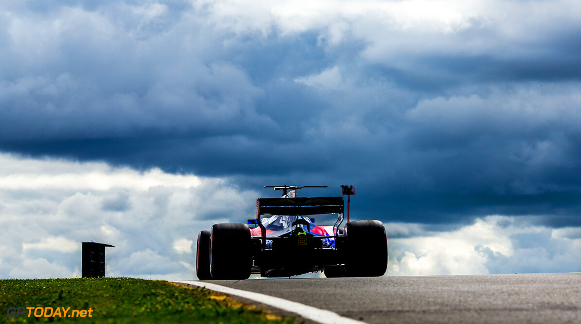 NORTHAMPTON, ENGLAND - JULY 14:  Carlos Sainz of Scuderia Toro Rosso and Spain during practice for the Formula One Grand Prix of Great Britain at Silverstone on July 14, 2017 in Northampton, England.  (Photo by Peter Fox/Getty Images) // Getty Images / Red Bull Content Pool  // P-20170714-01374 // Usage for editorial use only // Please go to www.redbullcontentpool.com for further information. //  F1 Grand Prix of Great Britain - Practice Peter Fox Silverstone United Kingdom  P-20170714-01374