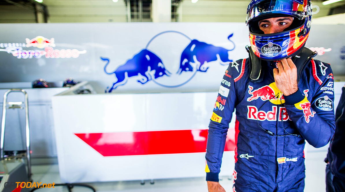 NORTHAMPTON, ENGLAND - JULY 14:  Carlos Sainz of Scuderia Toro Rosso and Spain during practice for the Formula One Grand Prix of Great Britain at Silverstone on July 14, 2017 in Northampton, England.  (Photo by Peter Fox/Getty Images) // Getty Images / Red Bull Content Pool  // P-20170714-00863 // Usage for editorial use only // Please go to www.redbullcontentpool.com for further information. //  F1 Grand Prix of Great Britain - Practice Peter Fox Silverstone United Kingdom  P-20170714-00863