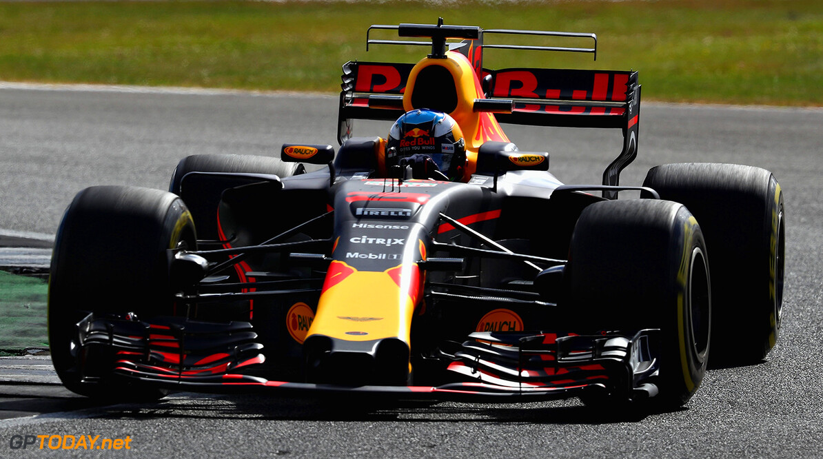 NORTHAMPTON, ENGLAND - JULY 14: Daniel Ricciardo of Australia driving the (3) Red Bull Racing Red Bull-TAG Heuer RB13 TAG Heuer on track during practice for the Formula One Grand Prix of Great Britain at Silverstone on July 14, 2017 in Northampton, England.  (Photo by Clive Mason/Getty Images) // Getty Images / Red Bull Content Pool  // P-20170714-00462 // Usage for editorial use only // Please go to www.redbullcontentpool.com for further information. //  F1 Grand Prix of Great Britain - Practice Clive Mason Silverstone United Kingdom  P-20170714-00462