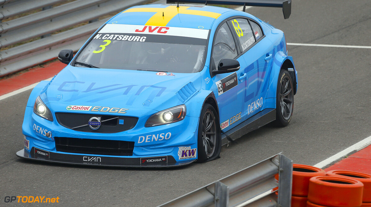 63 CATSBURG Nicky (ned) Volvo S60 Polestar team Polestar Cyan Racing action puncture during the 2017 FIA WTCC World Touring Car Race of Argentina at Termas de Rio Hondo, Argentina on july 14 to 16 - Photo Francois Flamand / DPPI AUTO - WTCC ARGENTINA 2017 Francois Flamand Termas de Rio Hondo Argentine  amerique du sud argentina argentine auto championnat du monde circuit course fia motorsport south america tourisme wtcc juillet