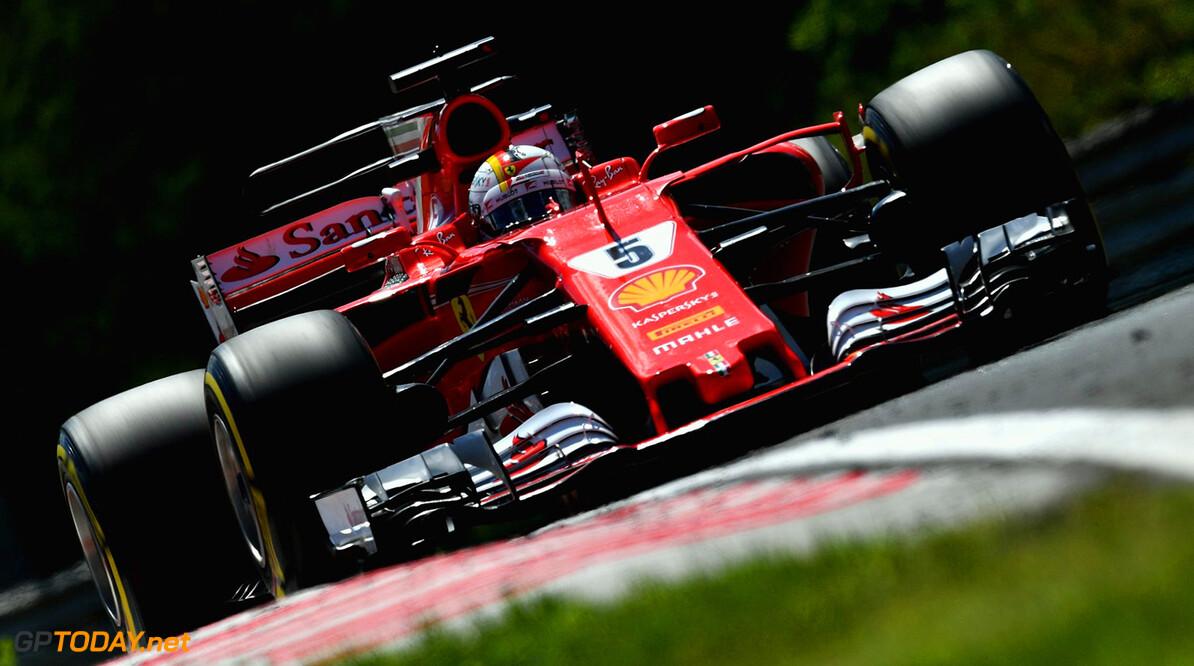 <b>Race verslag: </b>Sebastian Vettel wint Hongarije, dubbelslag Ferrari, Max Verstappen vijfde