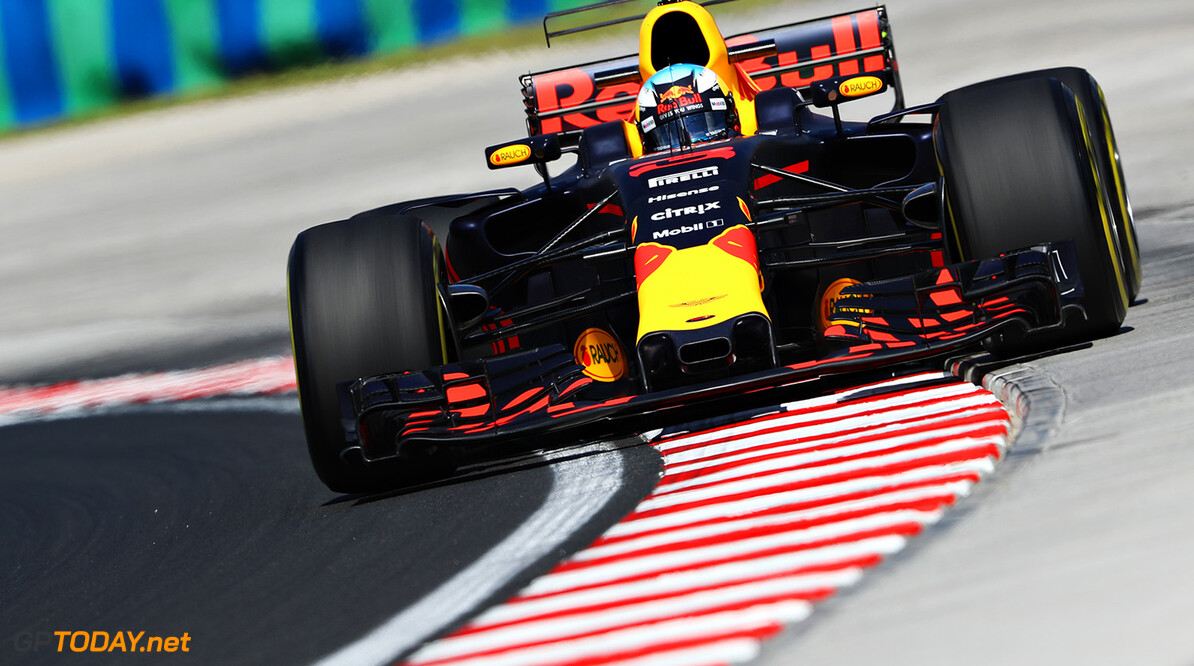 BUDAPEST, HUNGARY - JULY 28:  Daniel Ricciardo of Australia driving the (3) Red Bull Racing Red Bull-TAG Heuer RB13 TAG Heuer on track during practice for the Formula One Grand Prix of Hungary at Hungaroring on July 28, 2017 in Budapest, Hungary.  (Photo by Mark Thompson/Getty Images) // Getty Images / Red Bull Content Pool  // P-20170728-00979 // Usage for editorial use only // Please go to www.redbullcontentpool.com for further information. //  F1 Grand Prix of Hungary - Practice  Budapest Hungary  P-20170728-00979