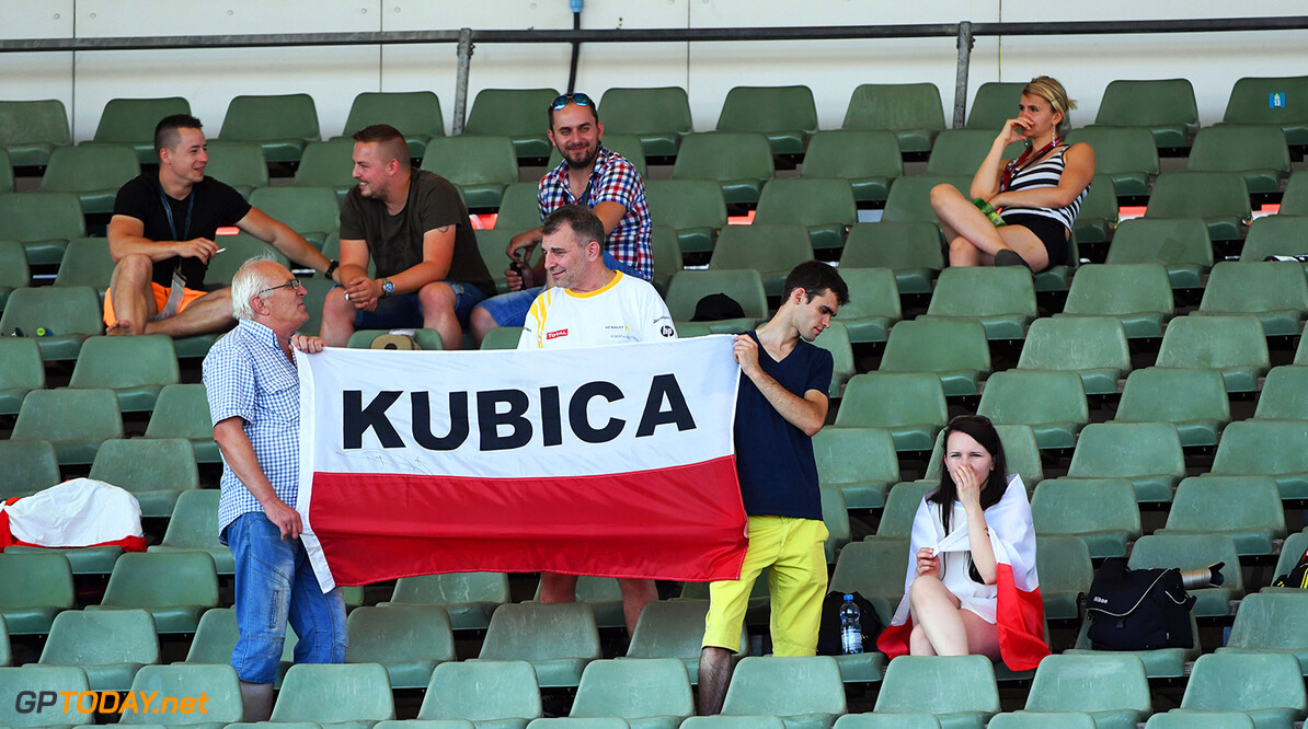 Formula One Testing www.sutton-images.com  Robert Kubica (POL) Renault Sport F1 Team fans and banner at Formula One Testing, Day One, Hungaroring, Hungary, Tuesday 1 August 2017. Hungarian F1 Testing  Hungaroring Hungary  F1 Formula 1 Test Hungarian portrait