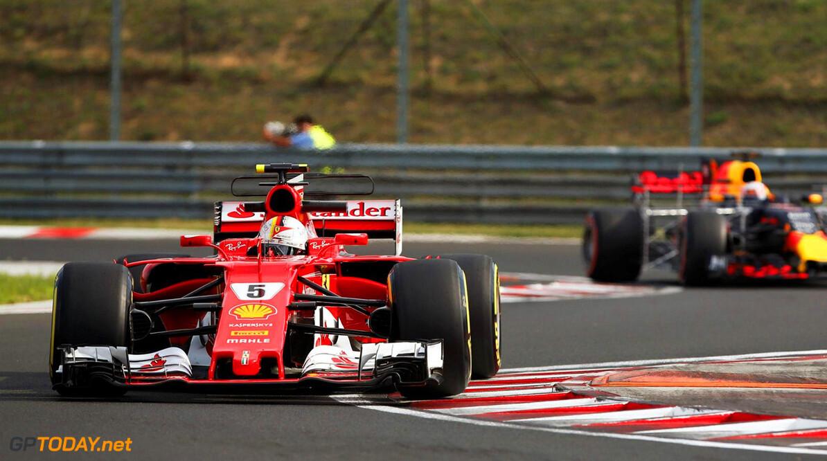 """Sebastian Vettel: """"We zijn snel genoeg om het Mercedes lastig te maken"""""""