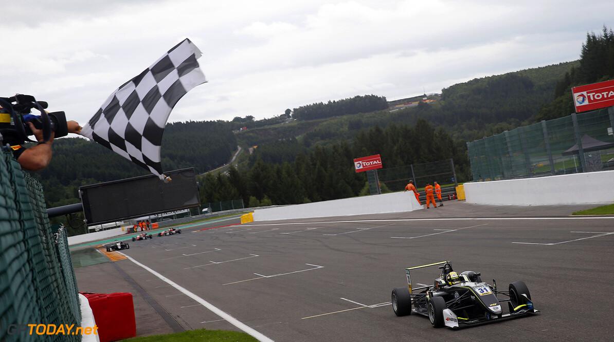 FIA Formula 3 European Championship, round 6, race 3, Spa-Franco 31 Lando Norris (GBR, Carlin, Dallara F317 - Volkswagen), FIA Formula 3 European Championship, round 6, race 3, Spa-Francorchamps (BEL), 27. - 29. July 2017 FIA Formula 3 European Championship 2017, round 6, race 3, Spa-Francorchamps (BEL) Thomas Suer Spa-Francorchamps Belgium
