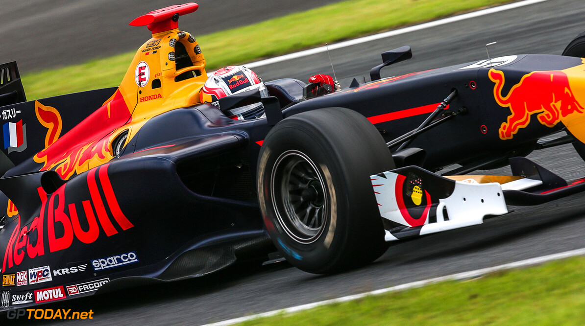 OYAMA,JAPAN,8.JUL.17 - MOTORSPORTS, RED BULL JUNIOR TEAM - Japanese Super Formula Championship, Fuji International Speedway. Image shows Pierre Gasly (FRA). // Dutch Photo Agency/Red Bull Content Pool // P-20170708-01009 // Usage for editorial use only // Please go to www.redbullcontentpool.com for further information. //  Pierre Gasly  Fuji Japan  P-20170708-01009