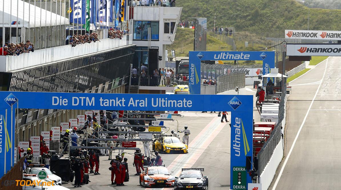 DTM race in Zandvoort #6 Robert Wickens, Mercedes-AMG C 63 DTM, #53 Jamie Green, Audi RS5 DTM Motorsports: DTM race in Zandvoort HZ Zandvoort Netherlands  Motorsport Sport DTM Zandvoort Circuit Zandvoort