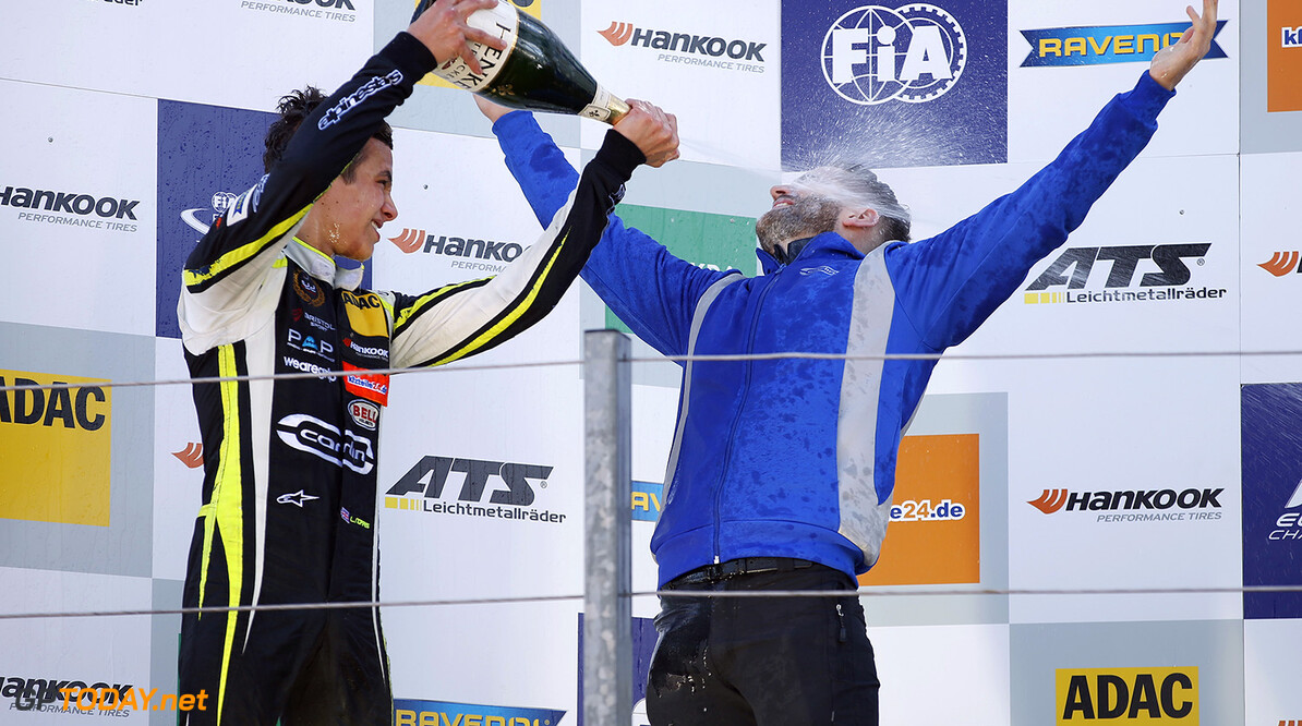 FIA Formula 3 European Championship, round 7, race 1, Zandvoort  Prize giving ceremony, 31 Lando Norris (GBR, Carlin, Dallara F317 - Volkswagen), FIA Formula 3 European Championship, round 7, race 1, Zandvoort (NED), 18. - 20. August 2017 FIA Formula 3 European Championship 2017, round 7, race 1, Zandvoort (NED) Thomas Suer Zandvoort Netherlands