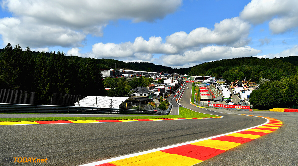 SPA, BELGIUM - AUGUST 24:  A general view of the circuit from the top of Eau Rouge during previews ahead of the Formula One Grand Prix of Belgium at Circuit de Spa-Francorchamps on August 24, 2017 in Spa, Belgium.  (Photo by Dan Mullan/Getty Images) // Getty Images / Red Bull Content Pool  // P-20170824-00511 // Usage for editorial use only // Please go to www.redbullcontentpool.com for further information. //  F1 Grand Prix of Belgium - Previews Dan Mullan Spa Belgium  P-20170824-00511