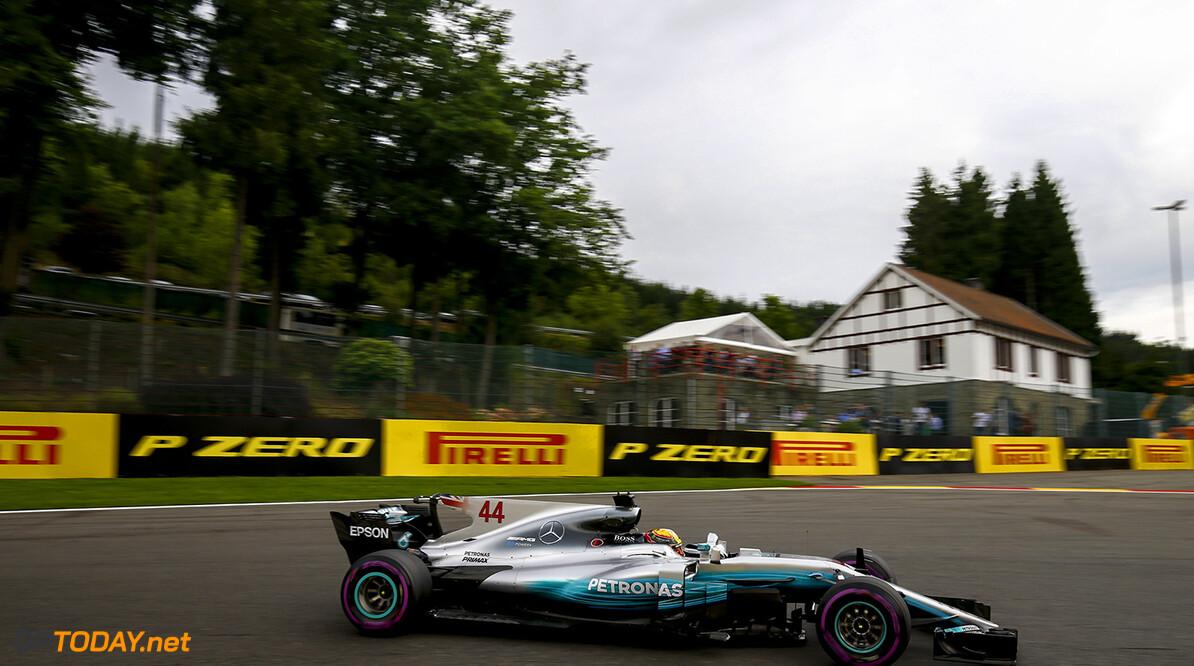 Kwalificatie: Lewis Hamilton pakt 68e pole positon, Max Verstappen op plaats 5