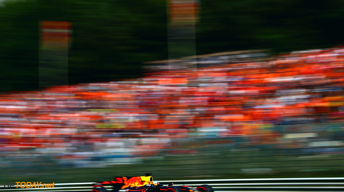 SPA, BELGIUM - AUGUST 27: Daniel Ricciardo of Australia driving the (3) Red Bull Racing Red Bull-TAG Heuer RB13 TAG Heuer on track during the Formula One Grand Prix of Belgium at Circuit de Spa-Francorchamps on August 27, 2017 in Spa, Belgium.  (Photo by Dan Istitene/Getty Images) // Getty Images / Red Bull Content Pool  // P-20170827-08886 // Usage for editorial use only // Please go to www.redbullcontentpool.com for further information. //  F1 Grand Prix of Belgium Dan Istitene Spa Belgium  P-20170827-08886