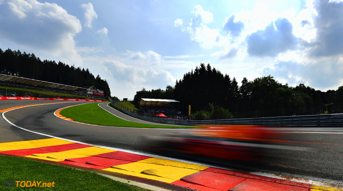SPA, BELGIUM - AUGUST 27:  Daniel Ricciardo of Australia driving the (3) Red Bull Racing Red Bull-TAG Heuer RB13 TAG Heuer on track during the Formula One Grand Prix of Belgium at Circuit de Spa-Francorchamps on August 27, 2017 in Spa, Belgium.  (Photo by Dan Mullan/Getty Images) // Getty Images / Red Bull Content Pool  // P-20170827-08070 // Usage for editorial use only // Please go to www.redbullcontentpool.com for further information. //  F1 Grand Prix of Belgium Dan Mullan Spa Belgium  P-20170827-08070