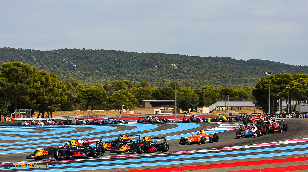 LE CASTELLET (FRA) AUG 25-27 2017 - Round 8 of the Formula Renault 2.0 Eurocup 2017 at circuit Paul Ricard. Richard Verschoor #29, MP Motorsport. // Dutch Photo Agency/Red Bull Content Pool // P-20170826-01252 // Usage for editorial use only // Please go to www.redbullcontentpool.com for further information. //  Richard Verschoor  Le Castellet France  P-20170826-01252