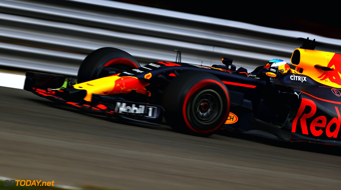 MONZA, ITALY - SEPTEMBER 01: Daniel Ricciardo of Australia driving the (3) Red Bull Racing Red Bull-TAG Heuer RB13 TAG Heuer on track during practice for the Formula One Grand Prix of Italy at Autodromo di Monza on September 1, 2017 in Monza, Italy.  (Photo by Dan Istitene/Getty Images) // Getty Images / Red Bull Content Pool  // P-20170901-02177 // Usage for editorial use only // Please go to www.redbullcontentpool.com for further information. //  F1 Grand Prix of Italy - Practice Dan Istitene Monza Italy  P-20170901-02177
