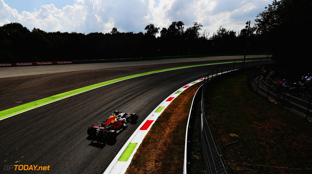 MONZA, ITALY - SEPTEMBER 01: Max Verstappen of the Netherlands driving the (33) Red Bull Racing Red Bull-TAG Heuer RB13 TAG Heuer on track during practice for the Formula One Grand Prix of Italy at Autodromo di Monza on September 1, 2017 in Monza, Italy.  (Photo by Mark Thompson/Getty Images) // Getty Images / Red Bull Content Pool  // P-20170901-04360 // Usage for editorial use only // Please go to www.redbullcontentpool.com for further information. //  F1 Grand Prix of Italy - Practice Mark Thompson Monza Italy  P-20170901-04360