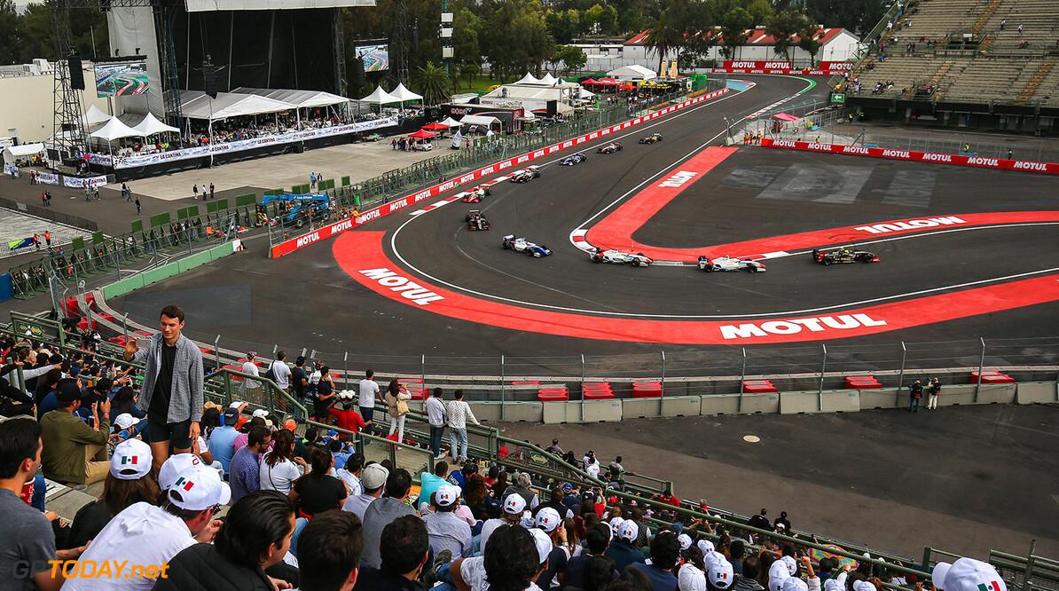 RACING-MEXICO-FORMULA V8 3.5 MEXICO CITY (MEX) SEP 1-3 2017 - Round 7 of the World Series Formula V8 3.5 2017 at Autodromo Hermanos Rodriguez. Start of Race 1. (C) 2017 Diederik van der Laan  / Dutch Photo Agency  Diederik van der Laan Mexico-City Mexico  Auto Autosport Car Formula Jerez Mexico Michelin Motorsports Race Racing Renault Track World Series
