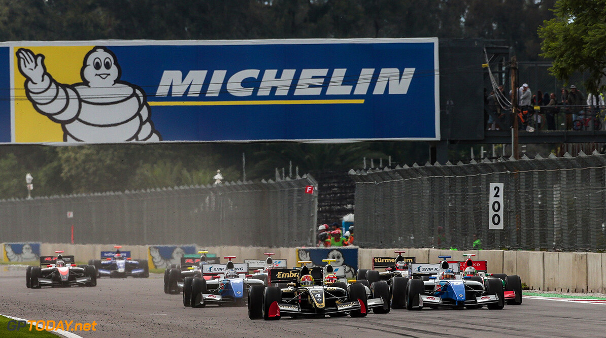 RACING-MEXICO-FORMULA V8 3.5 MEXICO CITY (MEX) SEP 1-3 2017 - Round 7 of the World Series Formula V8 3.5 2017 at Autodromo Hermanos Rodriguez. Start of Race 1. (C) 2017 Diederik van der Laan  / Dutch Photo Agency  Diederik van der Laan Mexico-City Mexico  Auto Autosport Car Formula Jerez Mexico Michelin Motorsports Race Racing Renault Track World Series